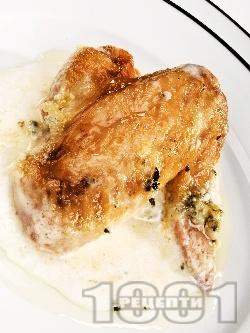 Печени пилешки крилца със синьо сирене, топено сирене и сметана на фурна - снимка на рецептата
